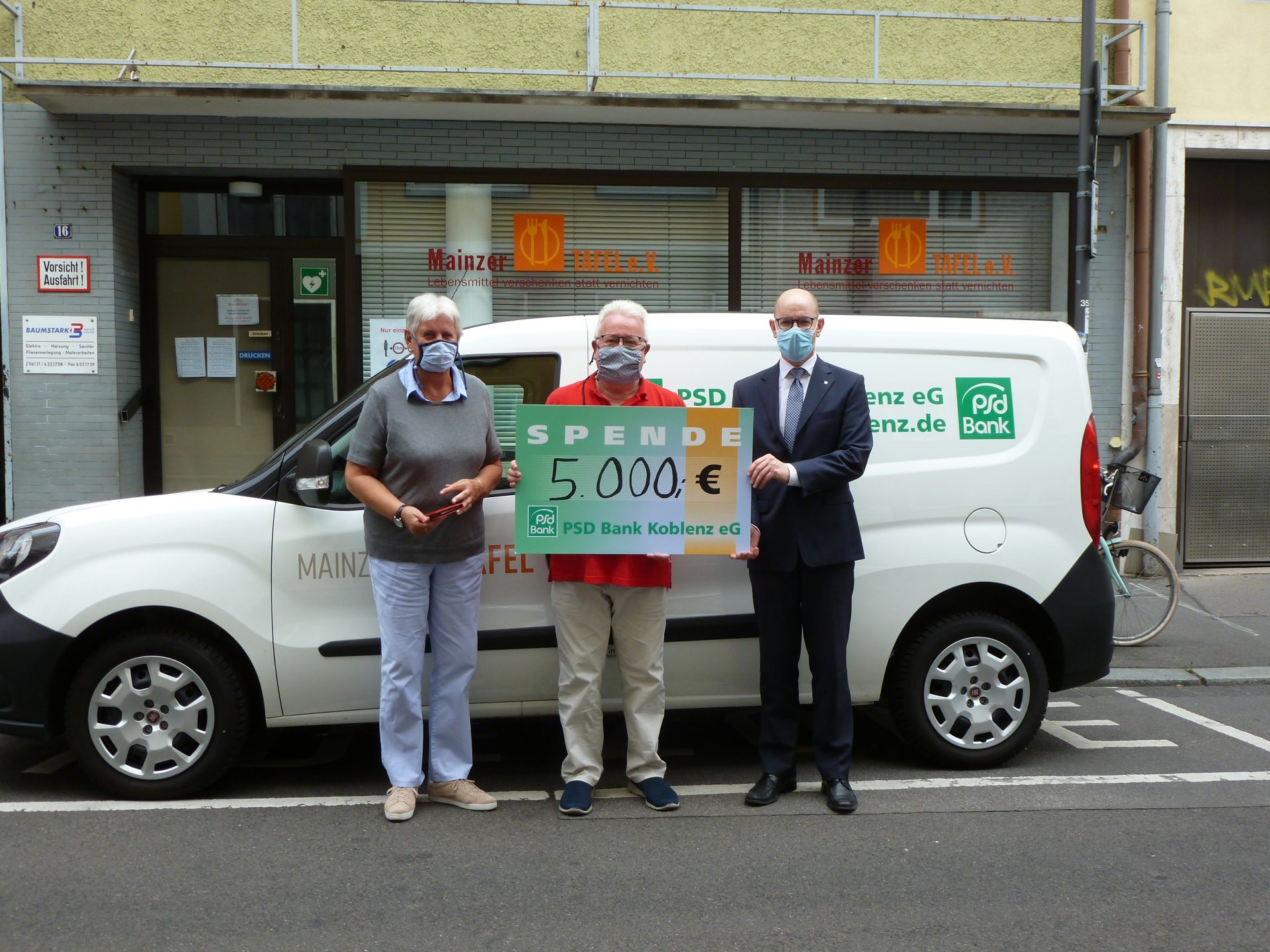 MainzerTafel_ Spendenübergabe_PSD_Bank_2020